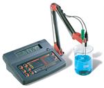 เครื่องวัดค่า pH, ORP, Temp ชนิดตั้งโต๊ะ รุ่น HI223 (HI2223)