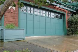 ประตูโรงรถแบบไม้