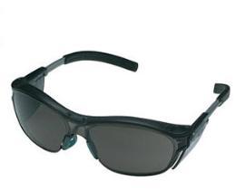 แว่นตานิรภัย, 3M รุ่น 11412 Nuvo Series