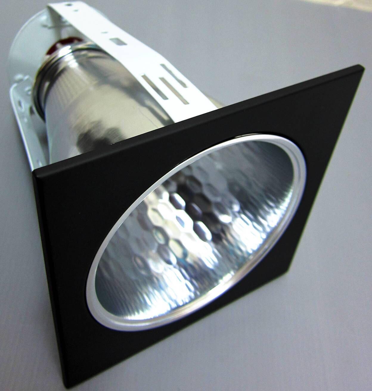ดาวไลท์ 4นิ้วหน้าเหลี่ยมสีดำ