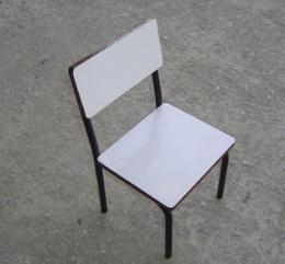 เก้าอี้นักเรียนอนุบาลหน้าโฟเมก้าขาว  pmy1-28