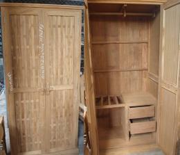 ตู้เสื้อผ้าไม้สักแบบลายถัก 2 บานประตู