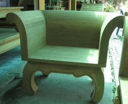 เก้าอี้แหย่งช้างไม้สัก พนักพิงหลังทรงโค้งมน ขาคู้