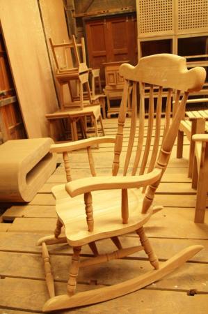 เก้าอี้โยก ทรงสวีเดน
