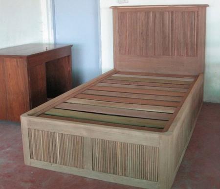 เตียงนอนไม้สัก ขนาด 3.5 ฟุต