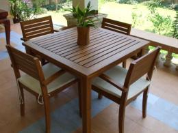 ชุดโต๊ะรับประทานอาหารไม้สัก ทรงสี่เหลี่ยม