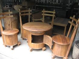 ชุดโต๊ะทรงถังเบียร์ไม้สัก พร้อมเก้าอี้ 4 ตัว