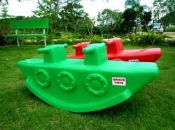 ของเล่นพลาสติกโยกเยกเรือดำน้ำ