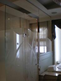 ฉากกั้นห้องอาบน้ำ 9