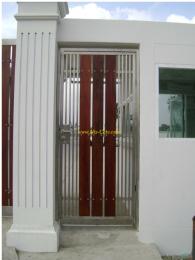 ประตูสแตนเลสผสมไม้ SW023