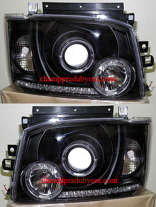 ไฟหน้ารถยนต์  TOYOTA HIACE COMMUTER 05-10 ดำ วงแหวน LED ยาว