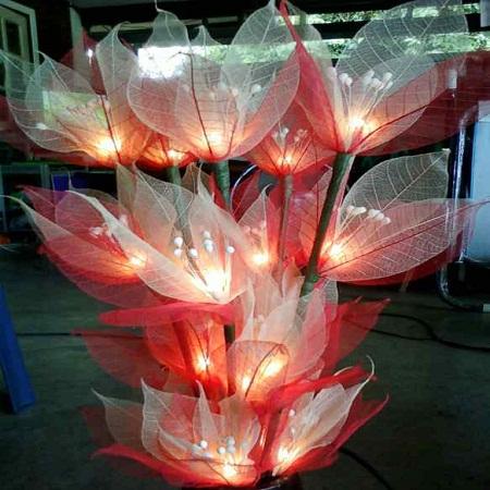 โคมไฟดอกไม้ใบยางพารา