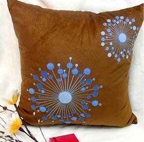 หมอนอิง 12 Suede Embroidered