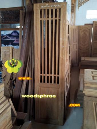 ประตูบานเฟี้ยม ไม้สักทอง 05