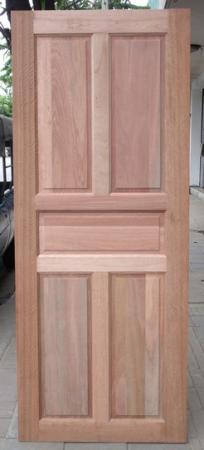 ประตูไม้ ลาย5ฟักตรง(ไม้เต็งแดง)