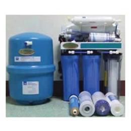 เครื่องกรองน้ำ RO02 ชนิดกรองน้ำแบบทั่วไปติดตั้งได้ทั้งใต้ซิ้งและผนัง
