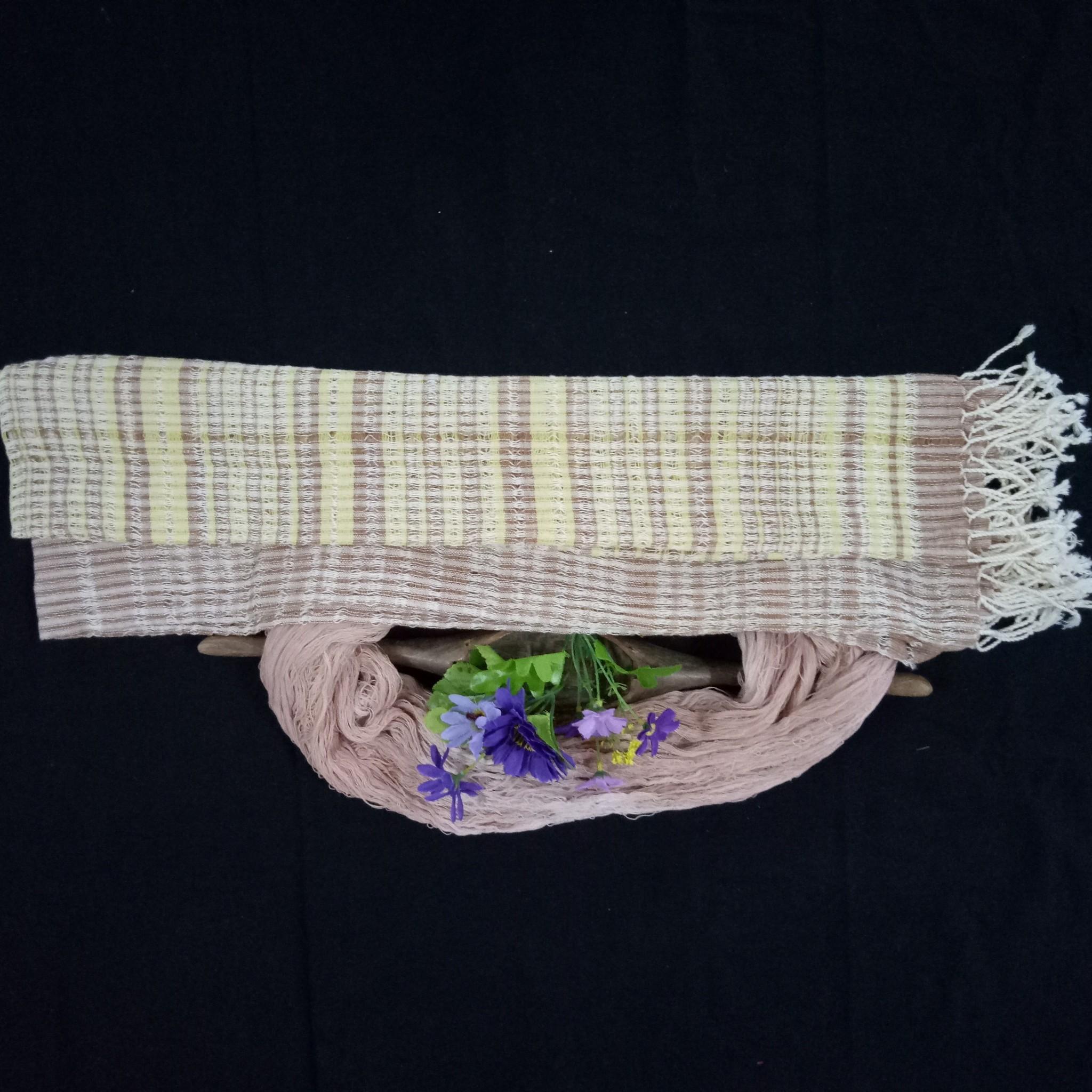 ผ้าพันคอ ลายแซงโปร่ง