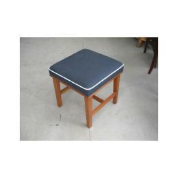 สตูลสำหรับโต๊ะเครื่องแป้ง