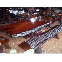 โต๊ะไม้ตะเคียนทอง