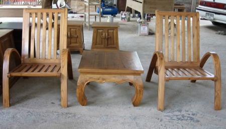เก้าอี้สนามไม้สัก หรือเก้าอี้นั่งเล่น พร้อมโต๊ะกลาง