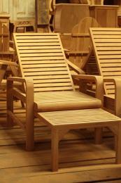 เก้าอี้อาบแดด แบบพนักพิง ปรับเอนได้ 3 ระดับ