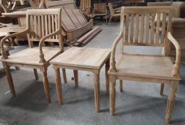 ชุดเก้าอี้รับแขกไม้สัก เก้าอี้ 2 ตัว พร้อมโต๊ะกลาง