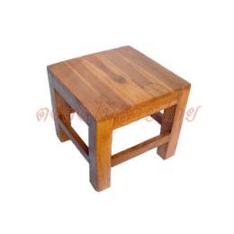 เก้าอีไม้สัก