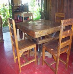 โต๊ะทานข้าวไม้ปีก 4 ที่นั่ง