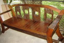 เก้าอี้โซฟาสนามไม้เก่า 2 แบบ