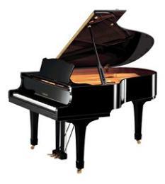 เปียโน Yamaha C-3 PE