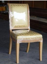 เก้าอี้ไม้บีช แกะลาย พนักหลังหุ้มเบาะ  พื้นเบาะ