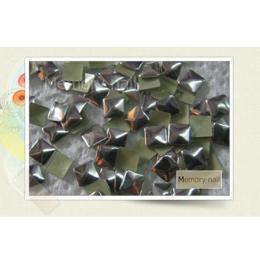 หมุดติดเล็บ เหลี่ยม สีเงิน A010-08