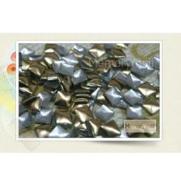 หมุดติดเล็บ เหลี่ยม สีทอง A010-09