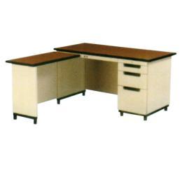โต๊ะทำงานเหล็ก BLD 714 L