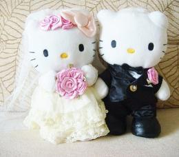 ตุ๊กตา Kitty แต่งงาน