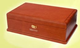 กล่องดนตรี 50 ตัวโน๊ต ไม้วอลนัท (กล่องสีน้ำตาล)
