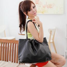 กระเป๋าแฟชั่นพร้อมส่ง แบรนด์ PGรหัสIR1896