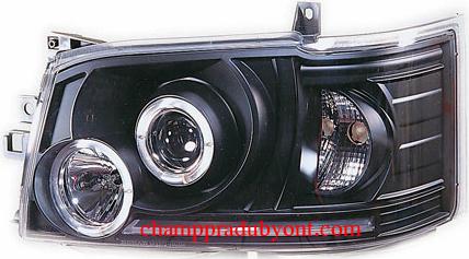 ไฟหน้ารถยนต์  TOYOTA HIACE COMMUTER 05-10 ดำ มุมติด วงแหวน