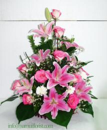 กระเช้าดอกไม้สด / Flower Basket PB17