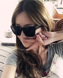 แว่นกันแดด Glasses 01