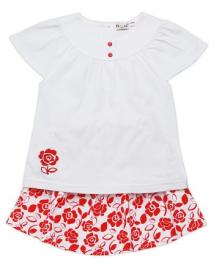 เสื้อยืดขาวกระโปรงลายดอกแดง