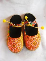 รองเท้าแตะผ้าแม้ว รุ่นปอม ปอม