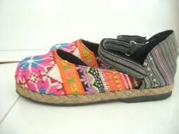 รองเท้าลำลองผ้าแม้ว รุ่นพาดข้าง-2