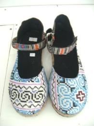 รองเท้าลำลองผ้าแม้ว รุ่นพาดข้าง-3