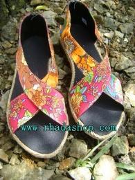 รองเท้าสายไขว้ ดอกไม้ -2