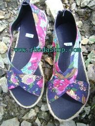 รองเท้าสปันสายไขว้ ลายดอกไม้-3