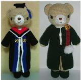 ตุ๊กตาถักไหมพรมหมีรับปริญญา