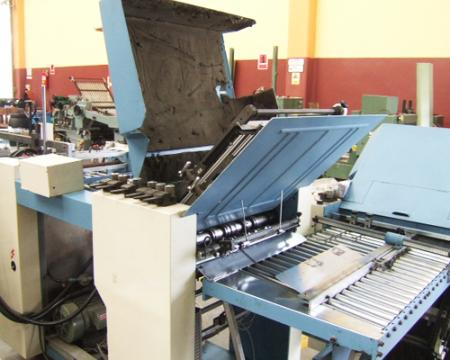 เครื่องพับกระดาษ Shoei รุ่น T52-4