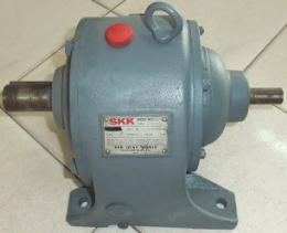 หัวเกียร์ทดรอบเพลา2ข้าง 1-3HP 1-30RPM ''SKK'' 000905