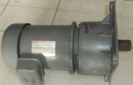 มอเตอร์เกียร์หน้าแปลน 2HP 75RPM 380V ''MCN'' 000898